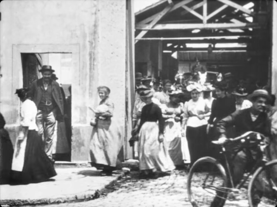 Workers Leaving the Lumière Factory [1]. 1895.